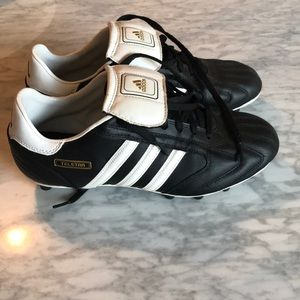 Adult Adidas cleats- hardly Worn! Size US 6.5